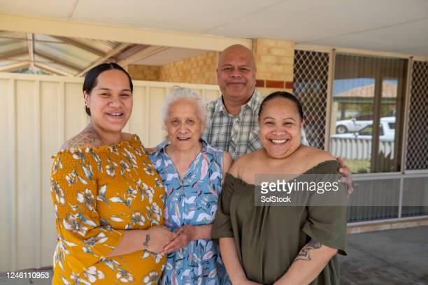 happy family portrait - pacific islanders stock pictures, royalty-free photos & images