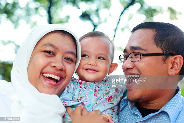 Familia feliz juntos