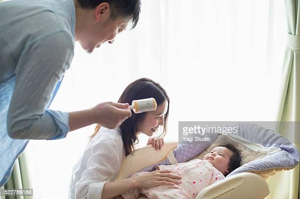 幸せな家族、新生児