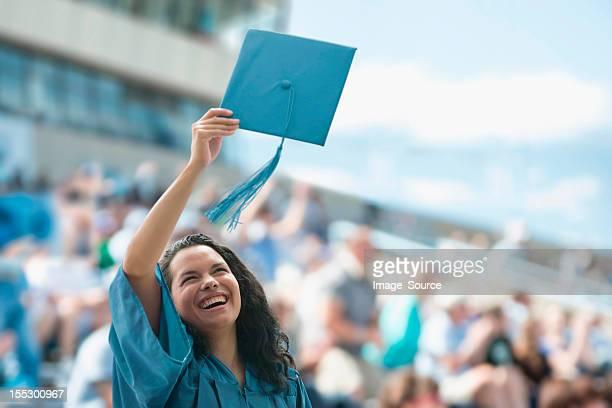 Glücklich weibliche Absolventen
