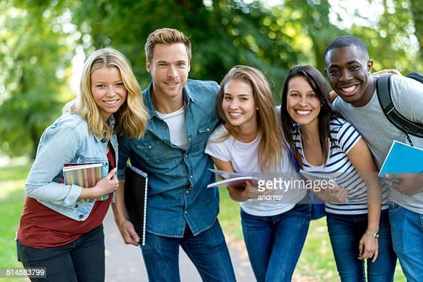 Heureux Groupe d'étudiants