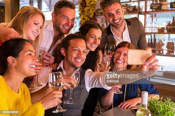 """Selfie """"Happy Hour"""""""