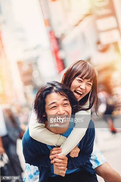 日本のご友人とご一緒に屋外での日本