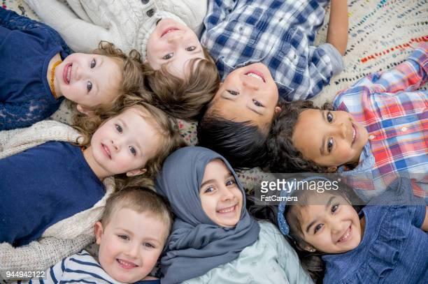happy crianças - emigração e imigração - fotografias e filmes do acervo