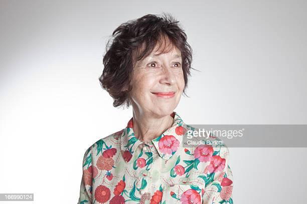 happy lady - 65 69 anos - fotografias e filmes do acervo