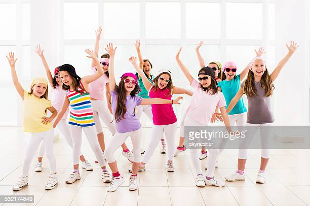 Happy little bailarines de hip-hop.