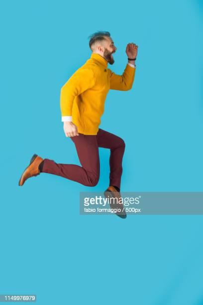 happy man portrait - sauter photos et images de collection