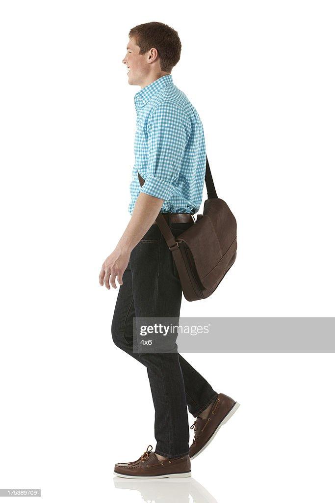 Glücklicher Mann zu Fuß : Stock-Foto