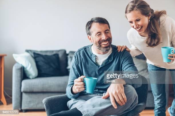 Gerne Älteres Paar zu Hause
