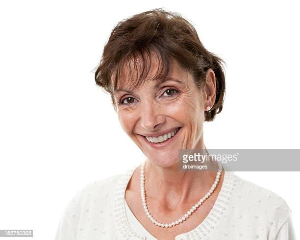 feliz sonriendo retrato de mujer madura - 55 59 años fotografías e imágenes de stock