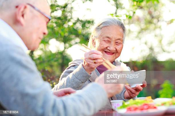 happy Mahlzeit im Garten