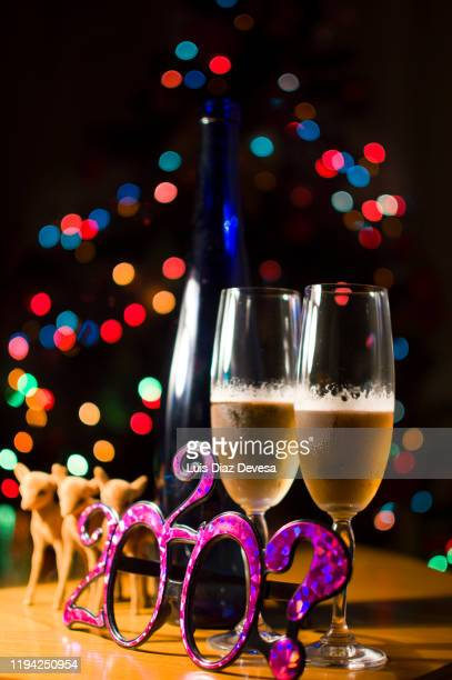 happy new year at christmas tree bokeh - この撮影のクリップをもっと見る 2025 stock pictures, royalty-free photos & images
