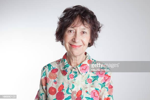happy old lady - 65 69 anni foto e immagini stock