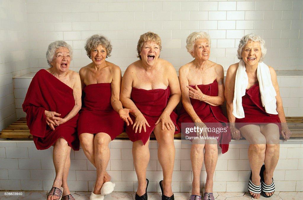 фото пожилых женщин в бане