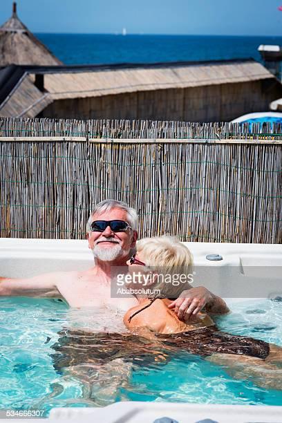 Heureux Couple Senior en été Vaccation dans le Jacuzzi#174 \;;, Adriatique, Europe