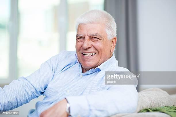Heureux homme senior
