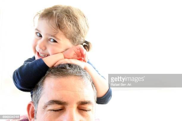 happy small girl comfortable with her father - rafael ben ari 個照片及圖片檔