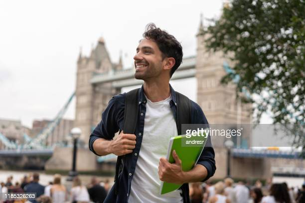 happy student in london - inghilterra foto e immagini stock