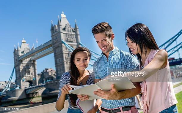 Happy students en Londres