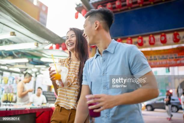 幸せな旅行者 - 中華街 ストックフォトと画像