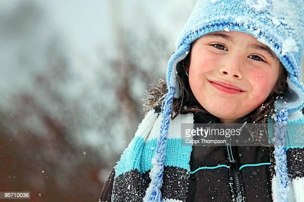 happy winter child portrait - ピンクの頬 ストックフォトと画像