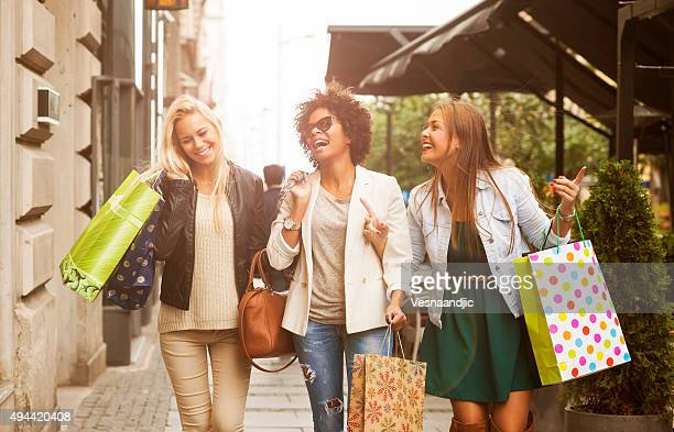happy woman in shopping - shopping bag stock pictures, royalty-free photos & images