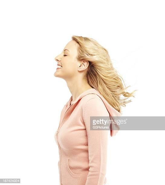 Donna felice nel vento