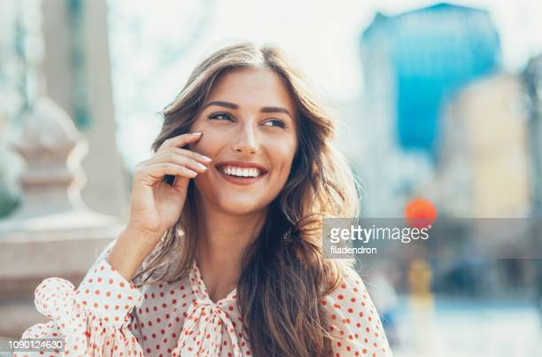 mulher feliz - perfeição - fotografias e filmes do acervo