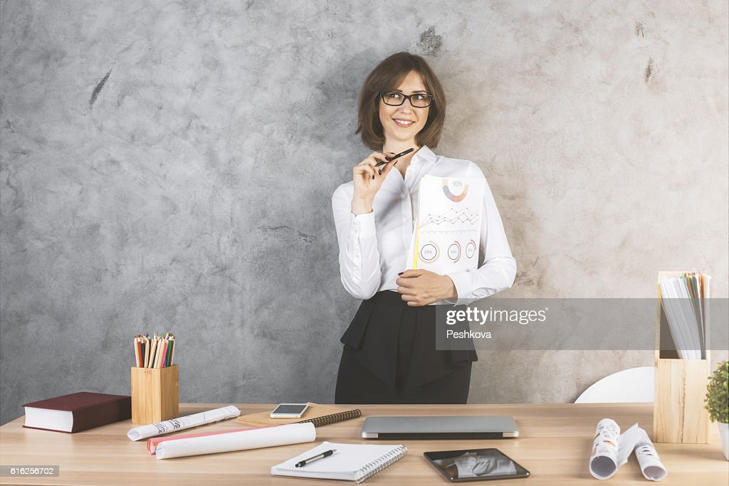 Happy woman with business report : Foto de stock