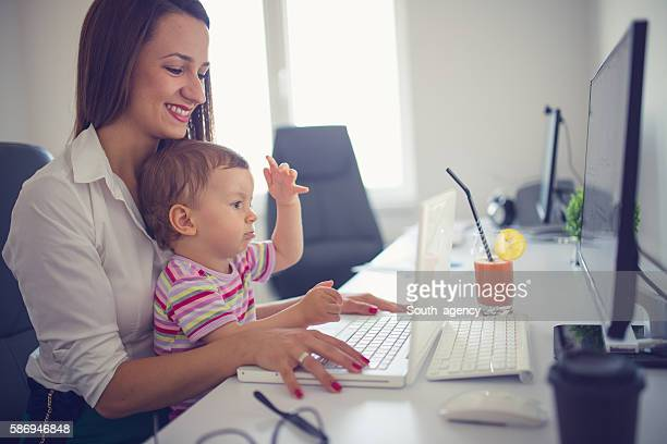 happy working day - professional occupation photos et images de collection