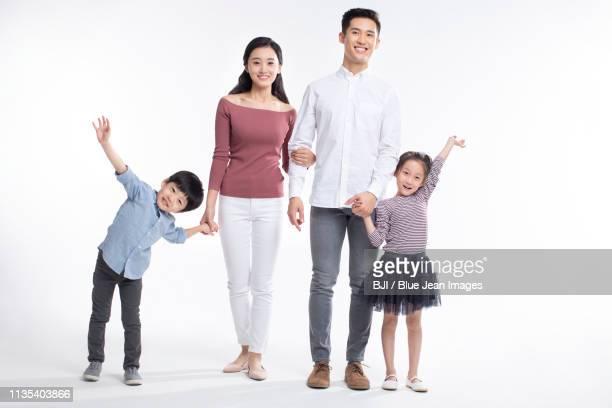 happy young family - 集合写真 ストックフォトと画像