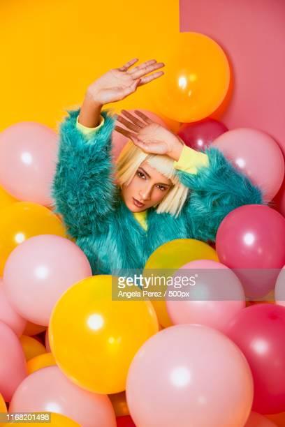 harajuku fashion - capelli colorati foto e immagini stock
