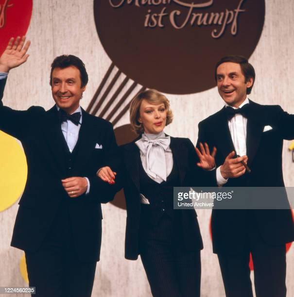 Harald Juhnke and Barbara Schöne are moderating the latenight show 'Musik ist Trumpf' with Peter Alexander Germany 1979
