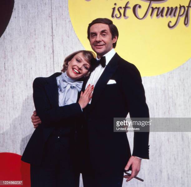 Harald Juhnke and Barbara Schöne are moderating the latenight show 'Musik ist Trumpf' at the ZDF wishing concert Germany 1979