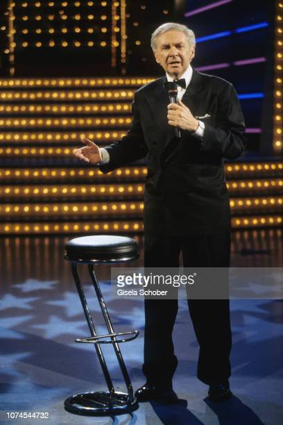 Harald Juhnke performs on stage at his birthday gala in May 1998 in Berlin Germany