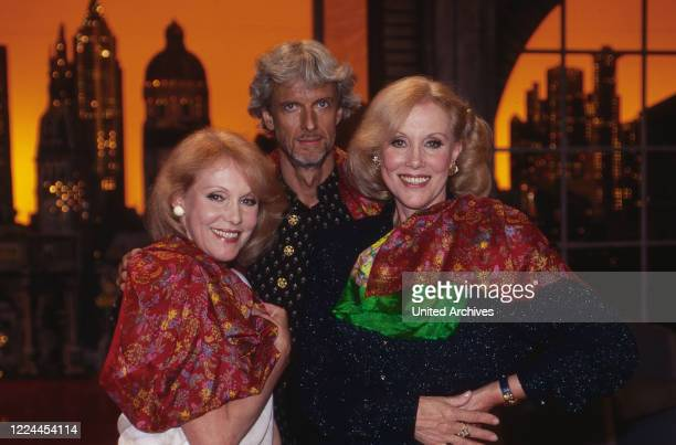 Harald Schmidt Show entertainment talk show Germany 1995 2003 guest stars actor Mathieu Carriere and the Kessler twins