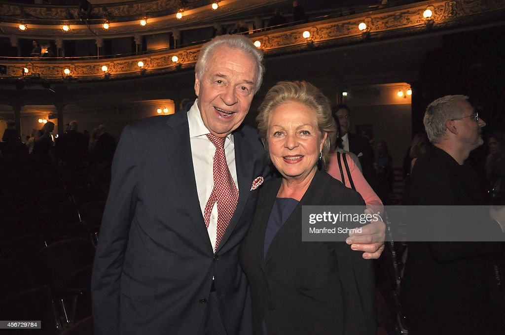 Harald Serafin (L) and Ingeborg Serafin attend the Mary Poppins musical premiere at Ronacher Theater on October 1, 2014 in Vienna, Austria.