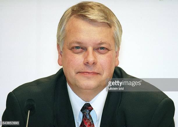 Harald Stöber Vorstandsvorsitzender der Mannesmann Arcor AG