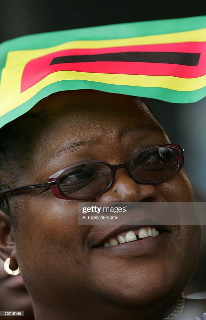 Zimbabwe's Vice President Joice Mujuru h... : Nachrichtenfoto