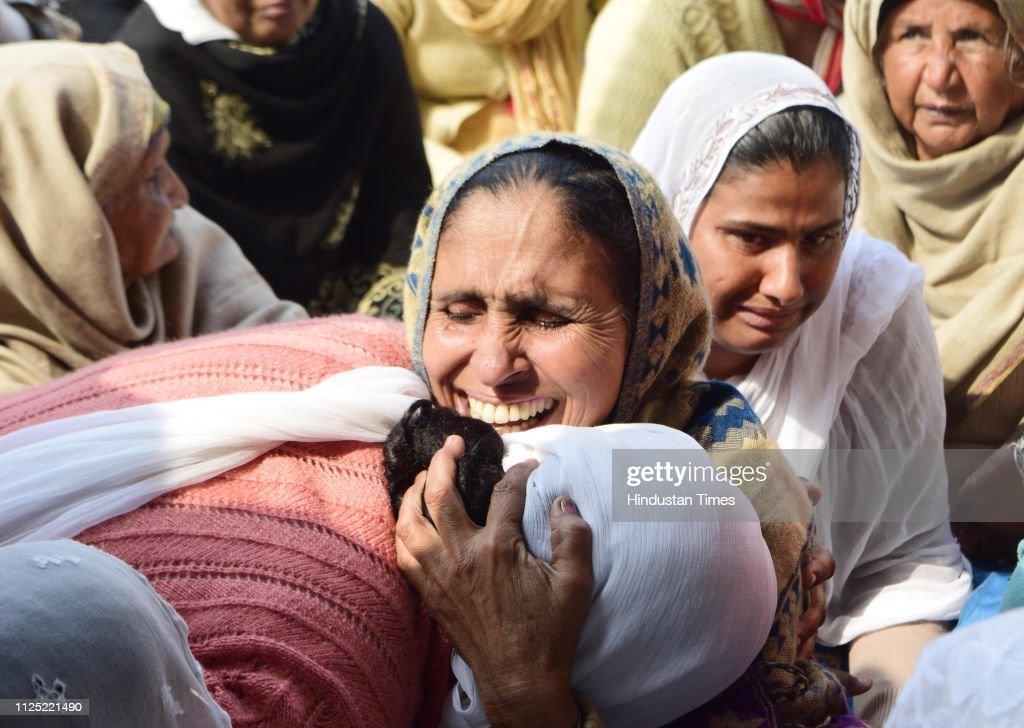 IND: Pulwama Terror Attack: Last Rites Of CRPF Jawan Sukhjinder Singh In Amritsar