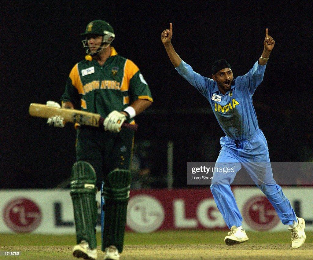 Harbhajan Singh of India celebrates the wicket of Boeta Dippenaar of South Africa : News Photo