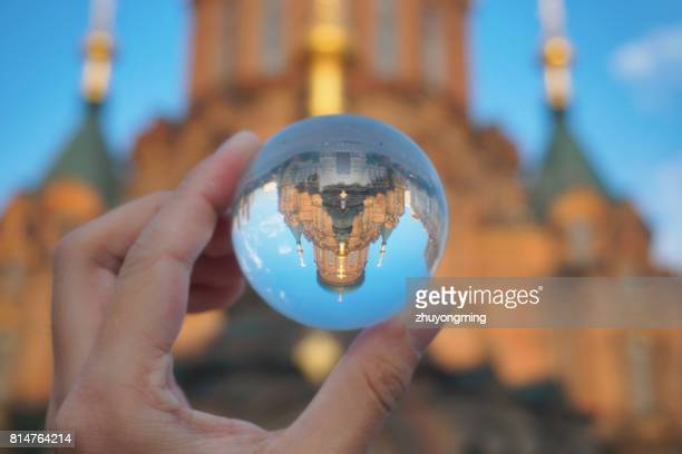 harbin saint sofia cathedral through crystal ball - crystal cathedral - fotografias e filmes do acervo