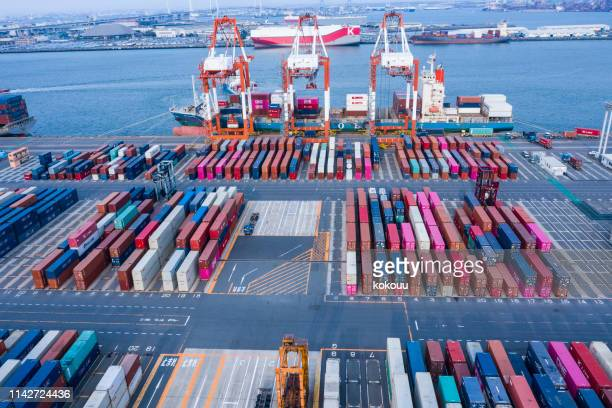 harbor colorful containers - box container stock pictures, royalty-free photos & images