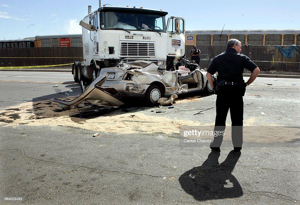 Harbor Div  investigate a double–fatal car accident along Anaheim St