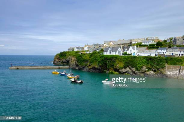 harbor, port isaac, cornwall, uk - port isaac stock pictures, royalty-free photos & images