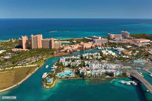 harbor village and atlantis resort paradise island nassau bahamas - ナッソー ストックフォトと画像