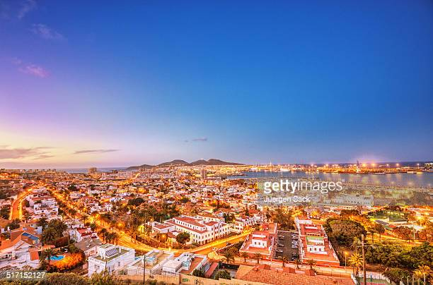 harbour and cityscape of las palmas de gran canaria - las palmas de gran canaria stock pictures, royalty-free photos & images