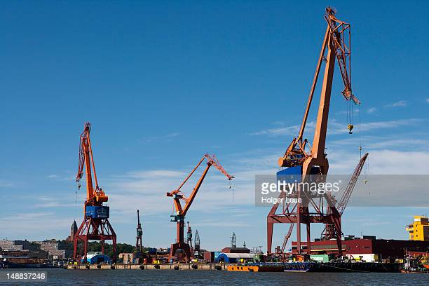 harbour cranes. - västra götaland county stock pictures, royalty-free photos & images