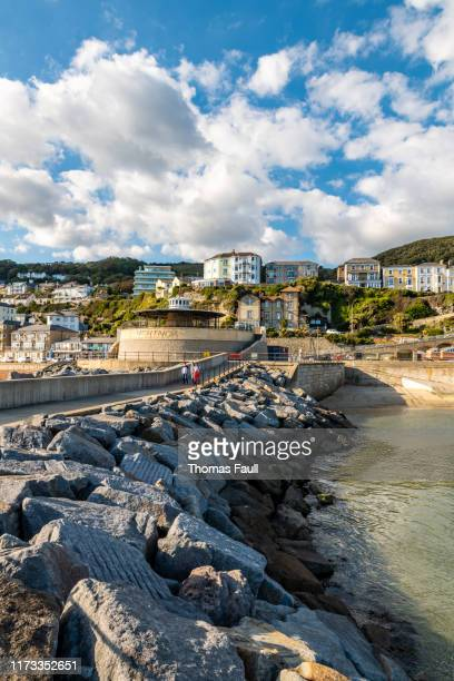 harbour defence wall in ventnor, isle of wight - isle of wight stock pictures, royalty-free photos & images