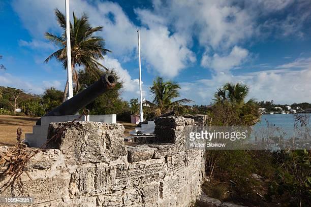 harbour island, bahamas, cannons - ハーバー島 ストックフォトと画像